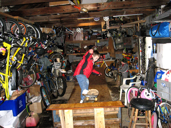 KB's winter ramp, in the garage, his sons skating.....