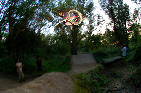 John Lee, 1 handed table, at the Endwell trails..