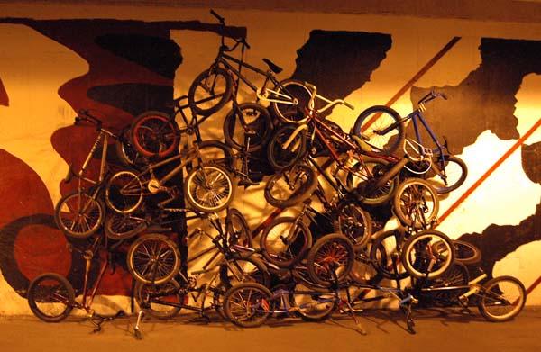 Bike Sculpture Via Space Wolf and  sleeper