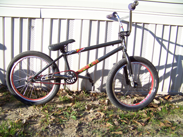 Memmy's new Howler. He is Stoked on this bike.