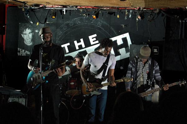 Wormz' band
