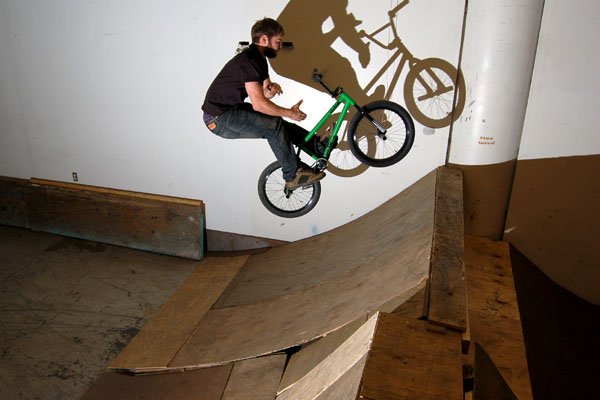 Barspin on a new FBM Howler remix.