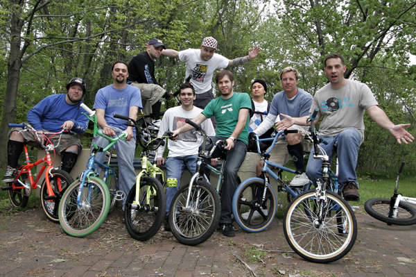 Is Old school bmx coming up? Guav and some oldsters on an NYC ride.