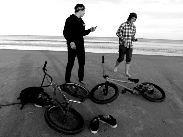 Lifes a beach0 Ginch Bros. Style!
