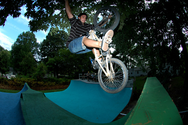 Dusty at the New Ramp in Newport News.... Dialed Backyard setup..