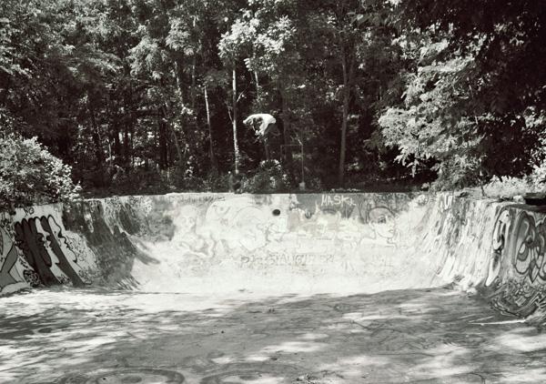 Sasquatch Adam Guilliams pool air!