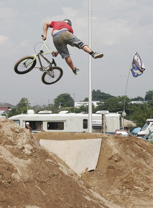 Ryan Souva at Red Planet pic By Bobby Parker