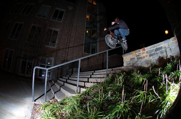 Joel Barnett gap over te ledge to handrail...