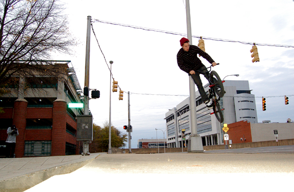 Chris Neighbors - 180 gap into the street...